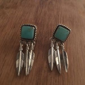 Jewelry - Vintage turquoise and silver earrings